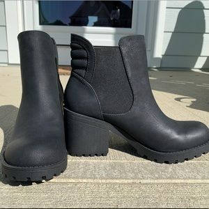 Dirty Laundry Chelsea Boot